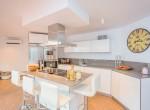 8 Open plan kitchen