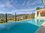12 Pool and views