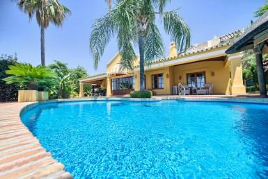 Puerto Los Almendros, villa, marbella, costa del sol, rustic, golf courses, puerto banus, swimming pool, terrace, sea, luxury, spain, property, real estate