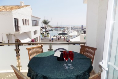 Frontline Puerto Banus - fully renovated apartment, 2 bedroom, beachfront, puerto banus, yachts, gucci, los bandidos, newscafe, luxury, investment, sea, sun