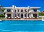 imposing villa, sierra blanca, marbella, golden mile, security, safe, beach, cascadas de camojan, 24hr security, sun, sea, luxury, opulent, fine living, mar