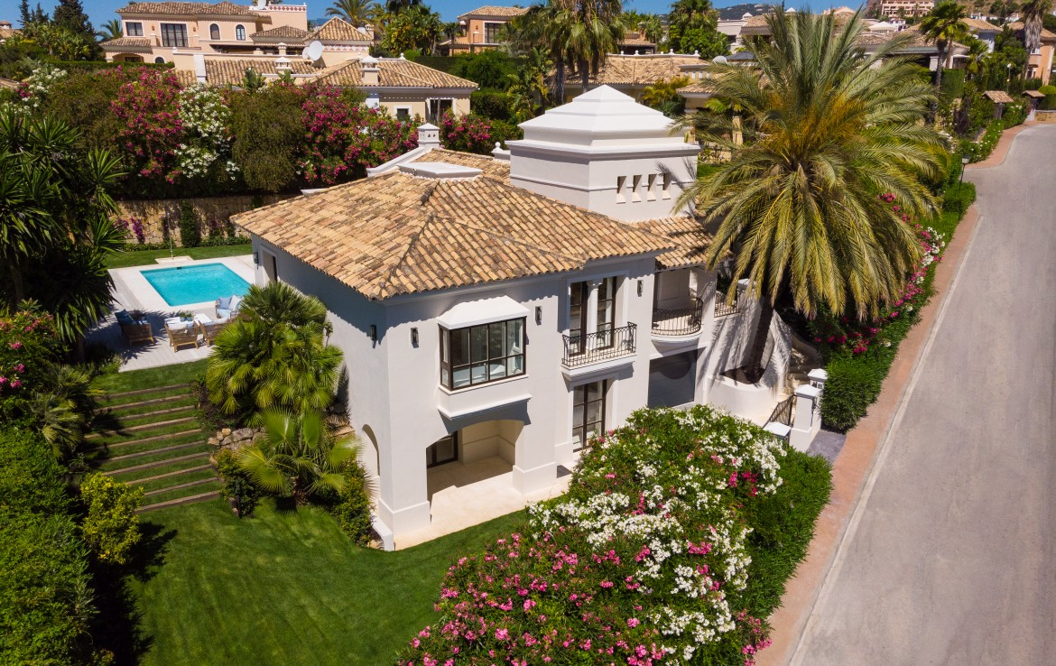beautiful, villa, las brisas golf, nueva andalucia, puerto banus, marbella, golden mile, sun, beach, sea, golf valley, luxury, security, investment, for sale