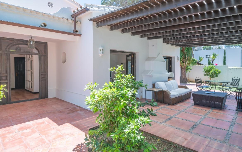 charming-3bedroom,villa, elviria, sun, beach, forest, supermarkets, sea, mediterranean, beach, close to beach, security, bungalow, all one floor, marbella